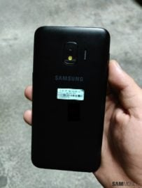 Exclusive: Pictures reveal Samsung's Android Go smartphone won't run stock Android
