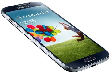 AT&T and Verizon Galaxy S4, Galaxy S4 Active can now load custom ROMs through SafeStrap Recovery