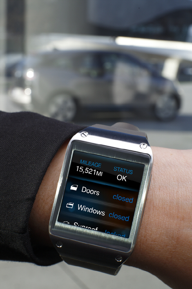 Galaxy Gear and BMW i3_2
