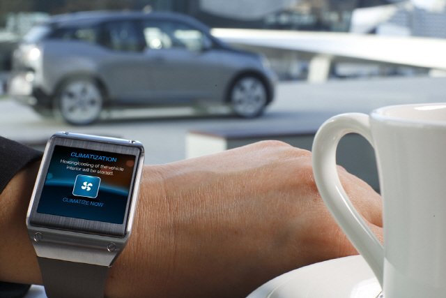 Galaxy Gear and BMW i3_3