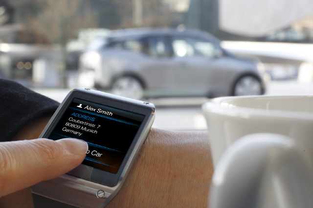 Galaxy Gear and BMW i3_4