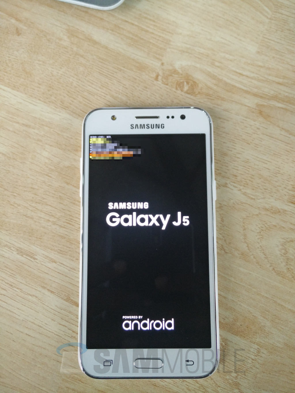 exclusive samsung galaxy j5 live images and. Black Bedroom Furniture Sets. Home Design Ideas