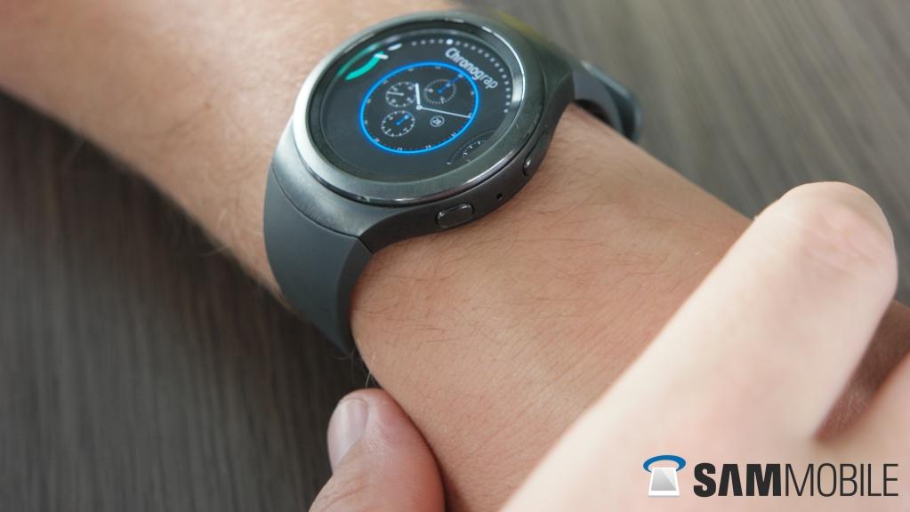 Gear S2 Review: Samsung finally understands a smartwatch ...