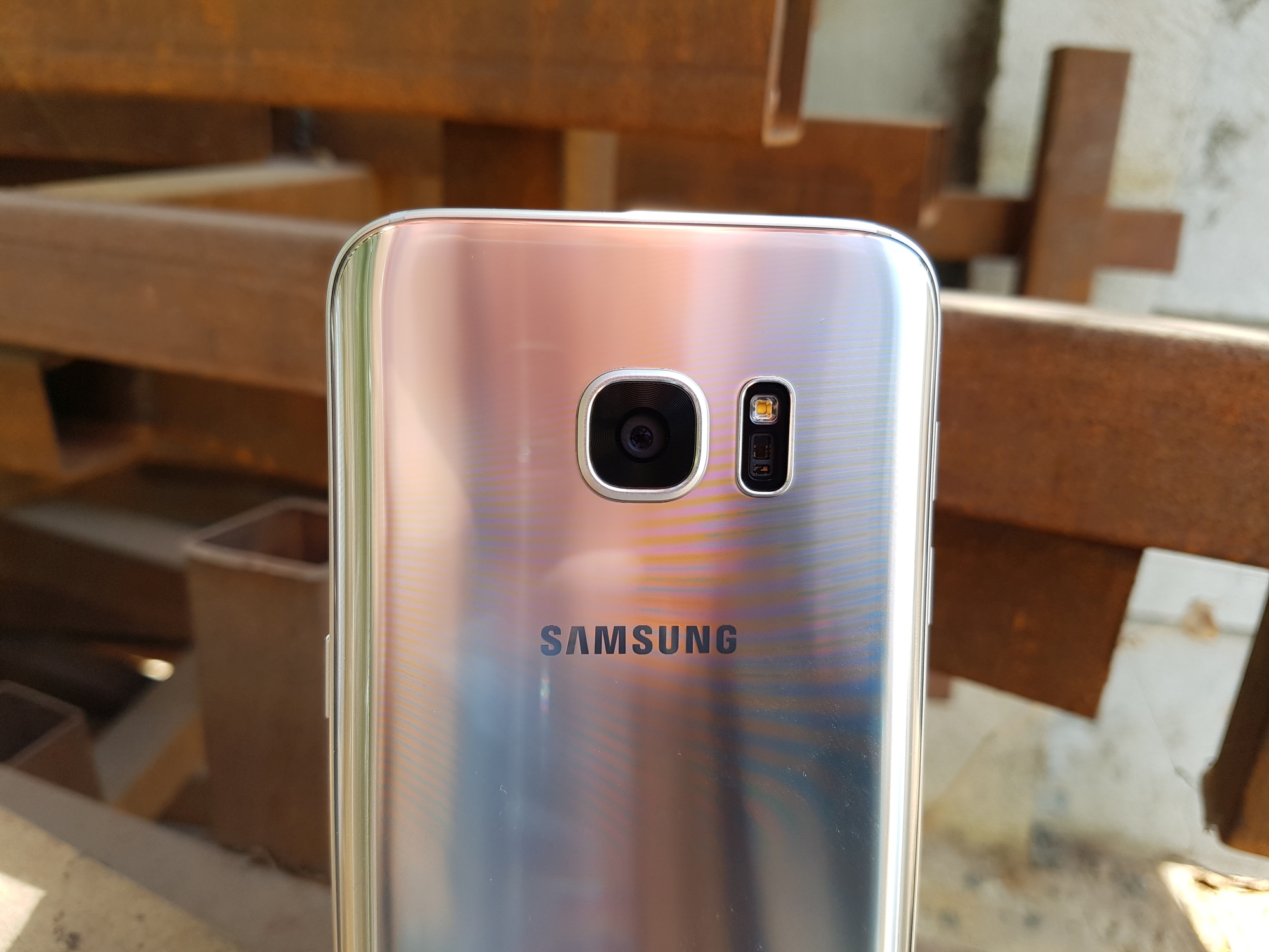 Samsung young 2 sm g130h power on off key jumper track ways - The Galaxy S7 And Galaxy S7 Edge Have Best In Class Cameras But Consumers Who Enjoy These Devices Often Do So Without Stopping To Consider The Effort