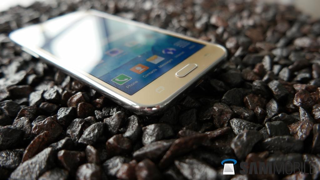 Samsung Galaxy J5 (2016) and Galaxy J7 (2016) manuals
