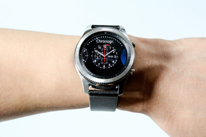 Samsung reportedly increases sales target for the Gear S3 ...