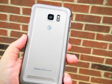 Galaxy S7 Active back on brick