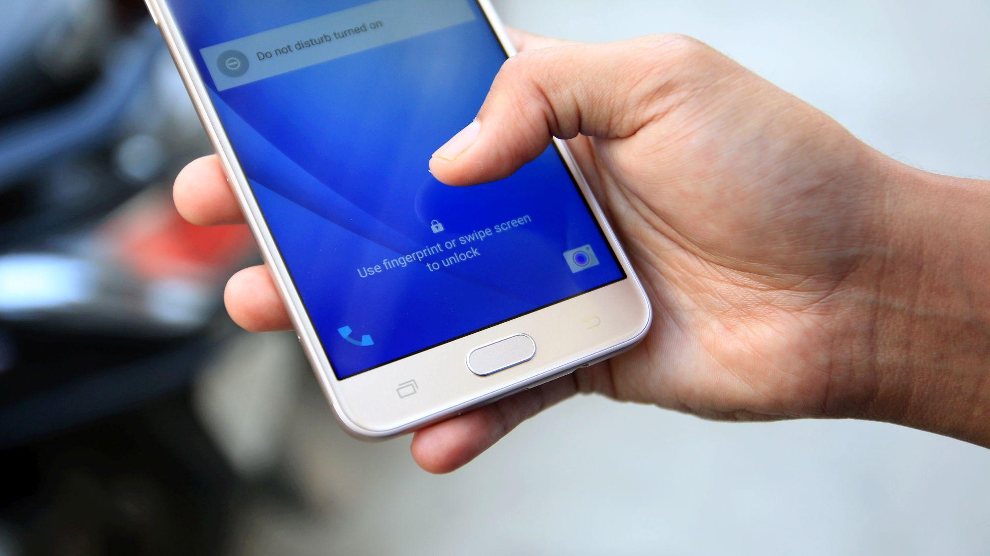 Galaxy J7 Prime fingerprint sensor doesn't need to be