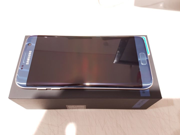 blue-coral-galaxy-s7-edge-unboxing-5