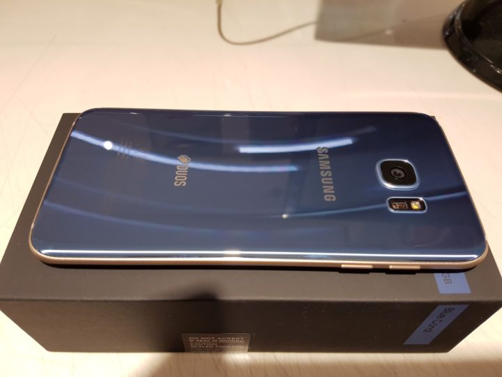 blue-coral-galaxy-s7-edge-unboxing-7