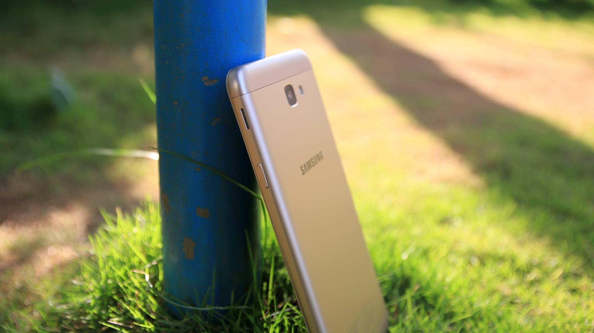 Galaxy-j7-prime-review-7