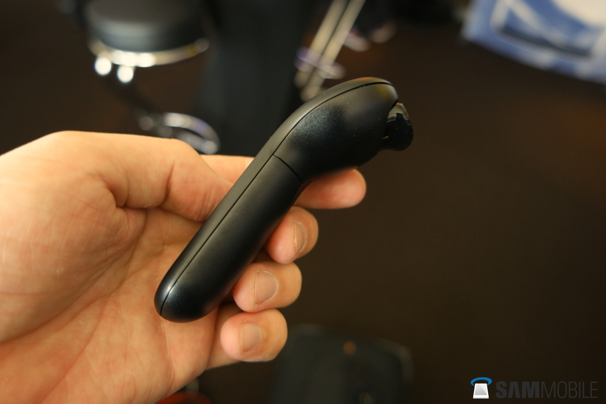 Hands-on with Samsung's Gear VR controller - SamMobile - SamMobile