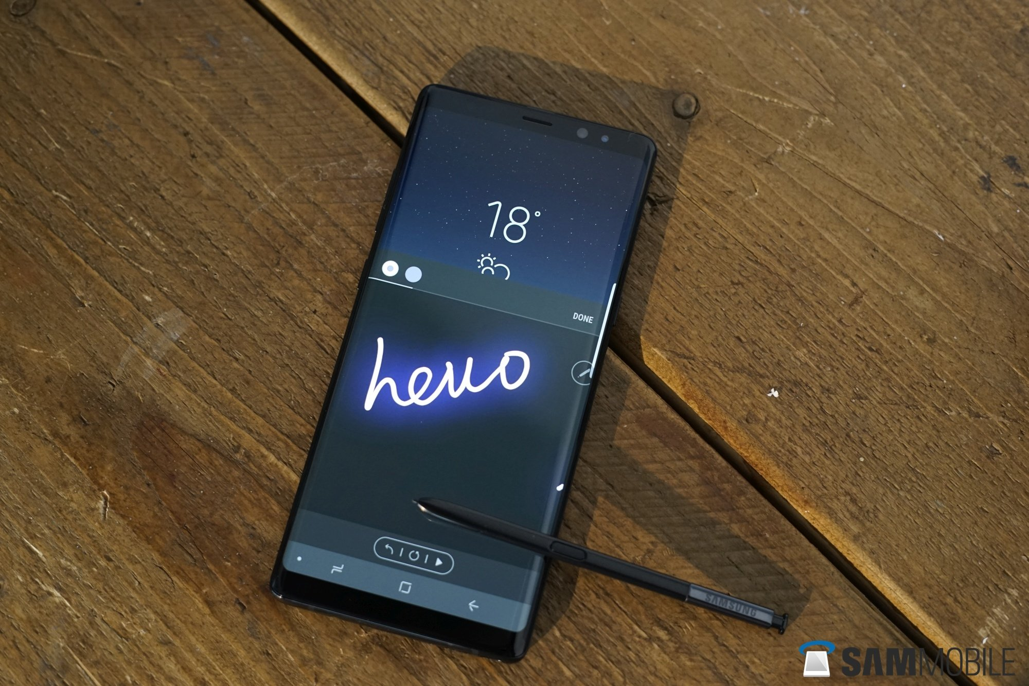 hands on with the galaxy note 8 sammobile sammobile. Black Bedroom Furniture Sets. Home Design Ideas