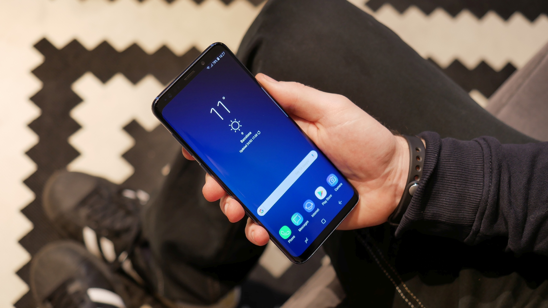 New Galaxy S9 update adds 'Hey Google' voice command for Google app
