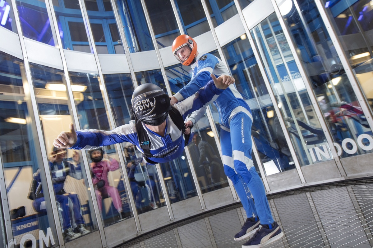 2750b0a6873b Samsung Netherlands is letting you skydive in a wind tunnel using the Gear  VR - SamMobile