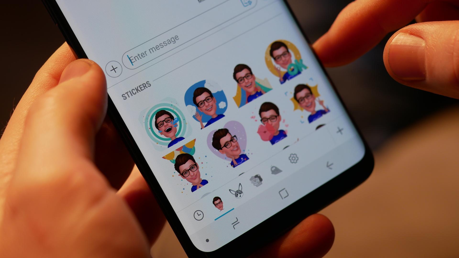 Galaxy A6+ gets AR Emoji in the latest update - SamMobile