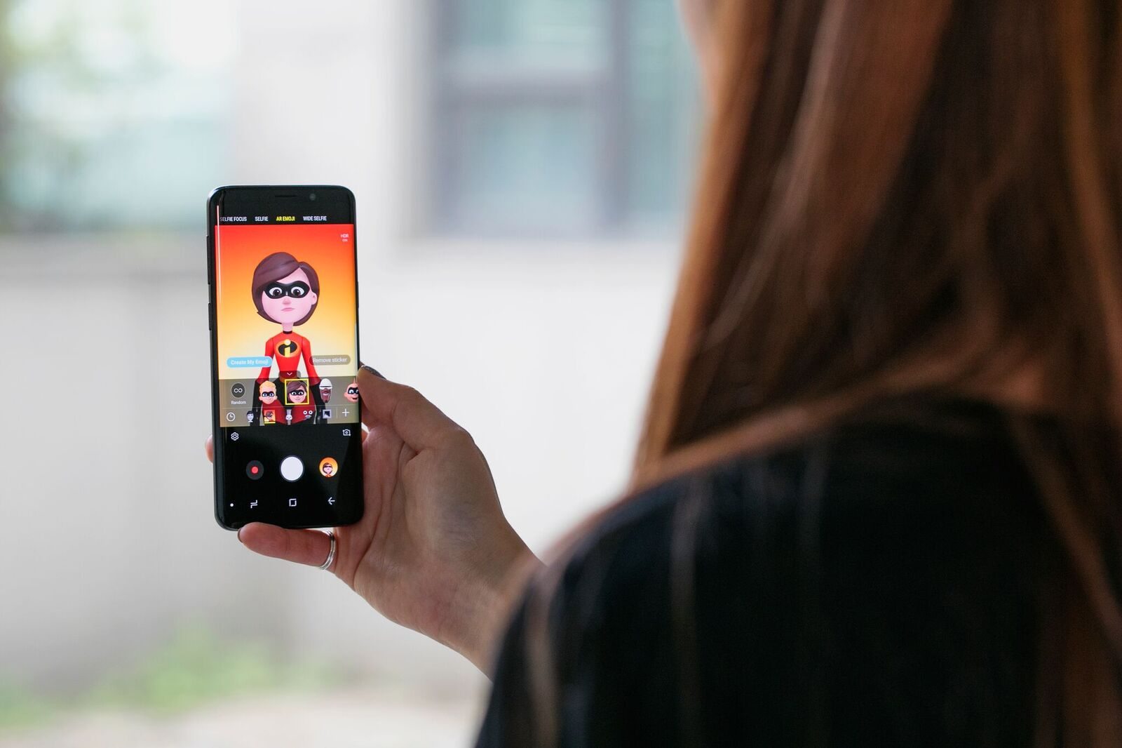 The Incredibles AR Emoji avatars now available on the Galaxy