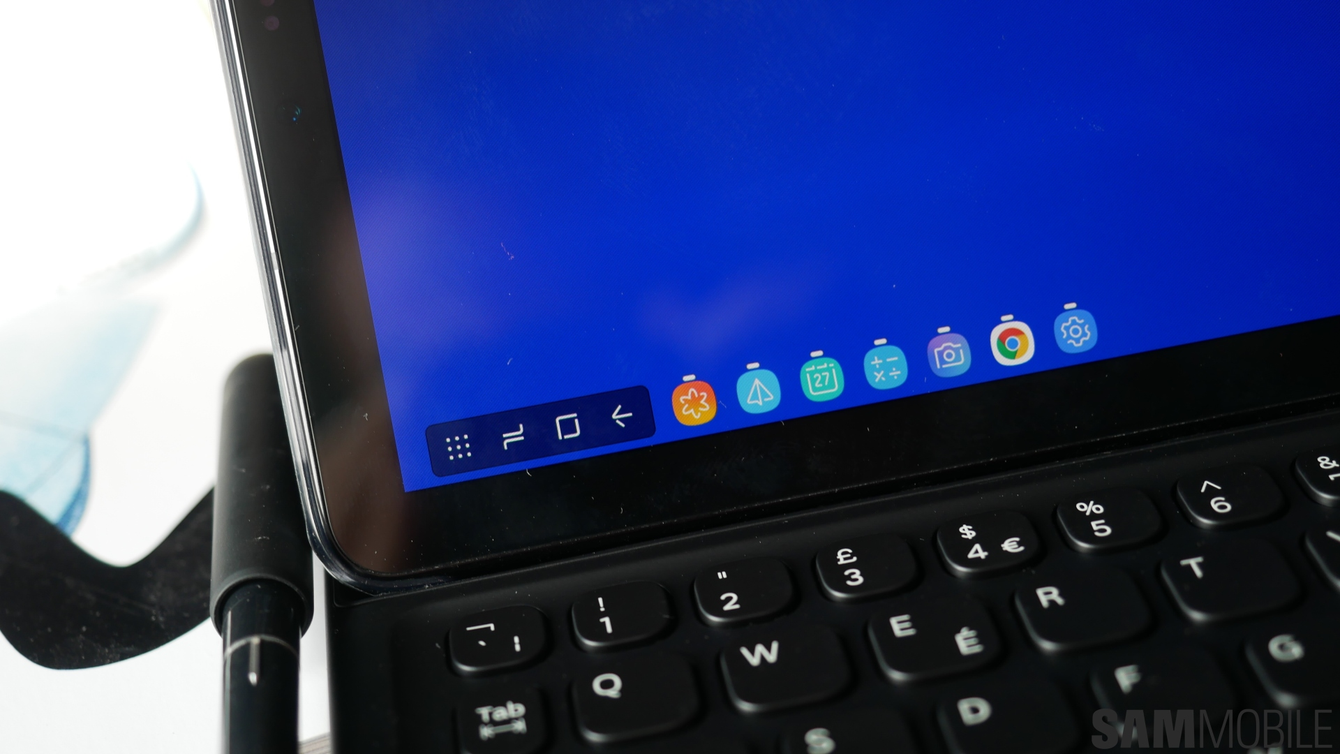 Were you wondering how Samsung would make the Galaxy Tab S4 work with DeX? Well, by making DeX a part of the tablet itself. A Samsung DeX mode, when enabled ...