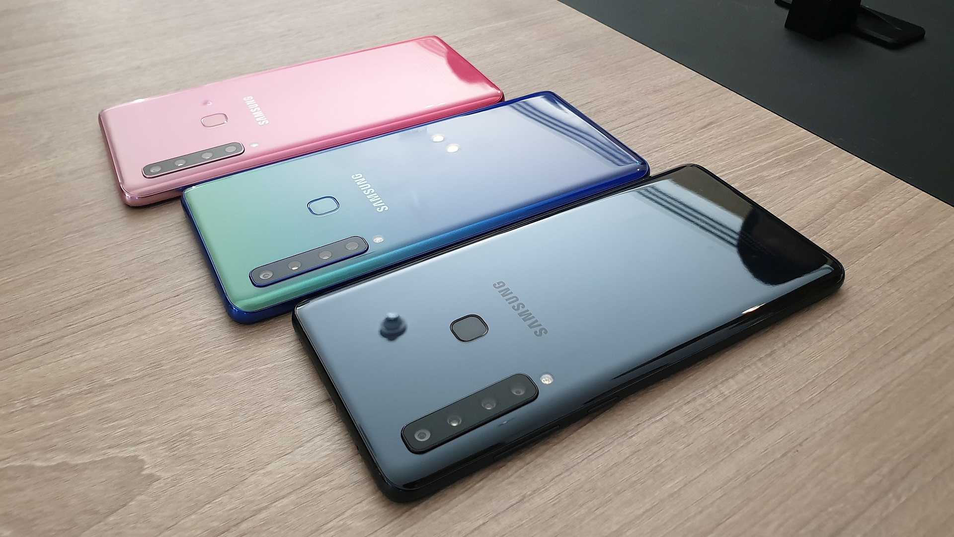 Galaxy A9 colors