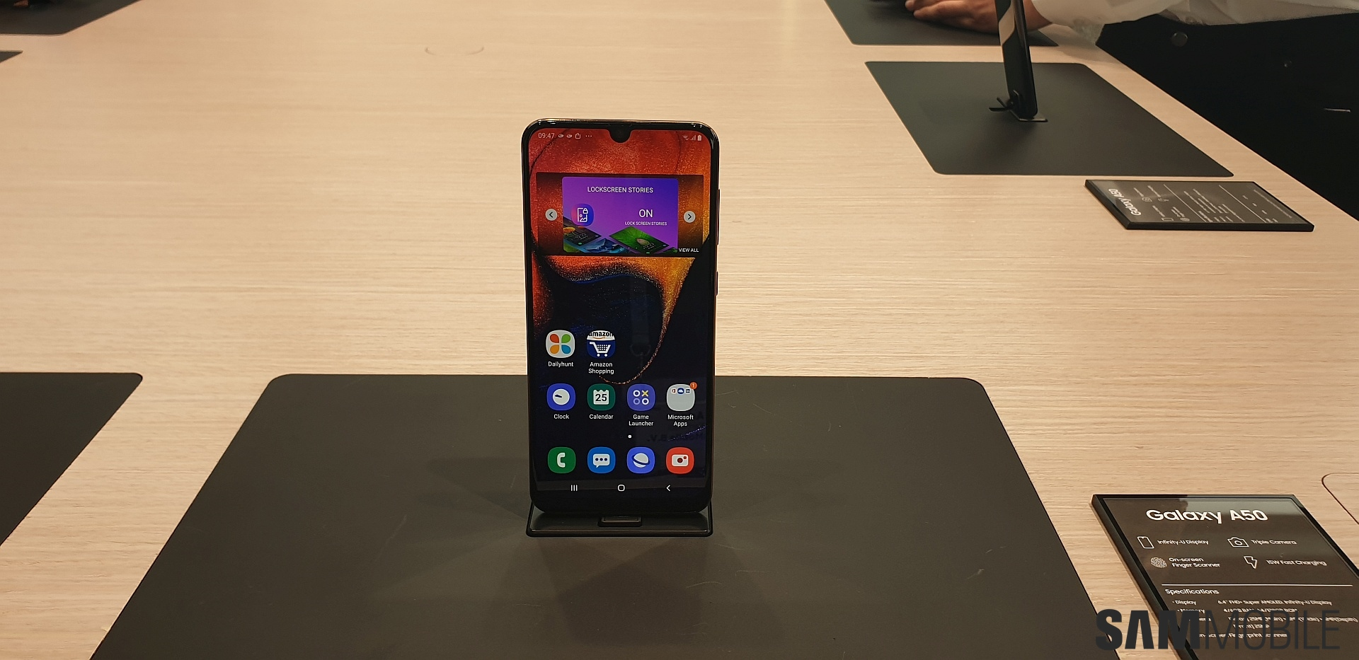 Galaxy A50 and Galaxy A30 hands-on: Compelling new mid-rangers