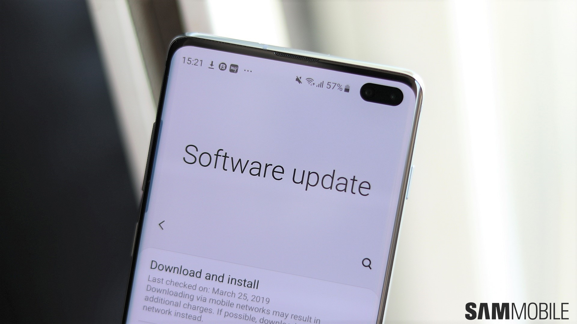 Samsung resumes Galaxy S10 March security update roll out