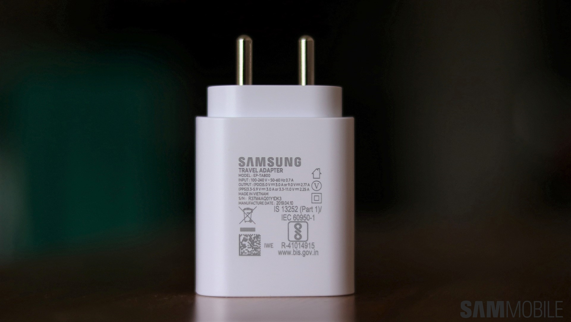 How quick is Samsung's 25W super fast charging technology