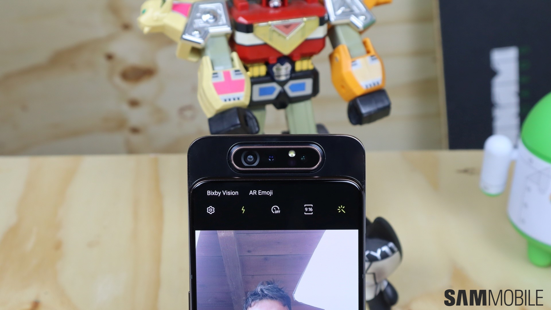 Samsung Galaxy A80 Review Cool Sliding Camera Fails To Impress Sammobile