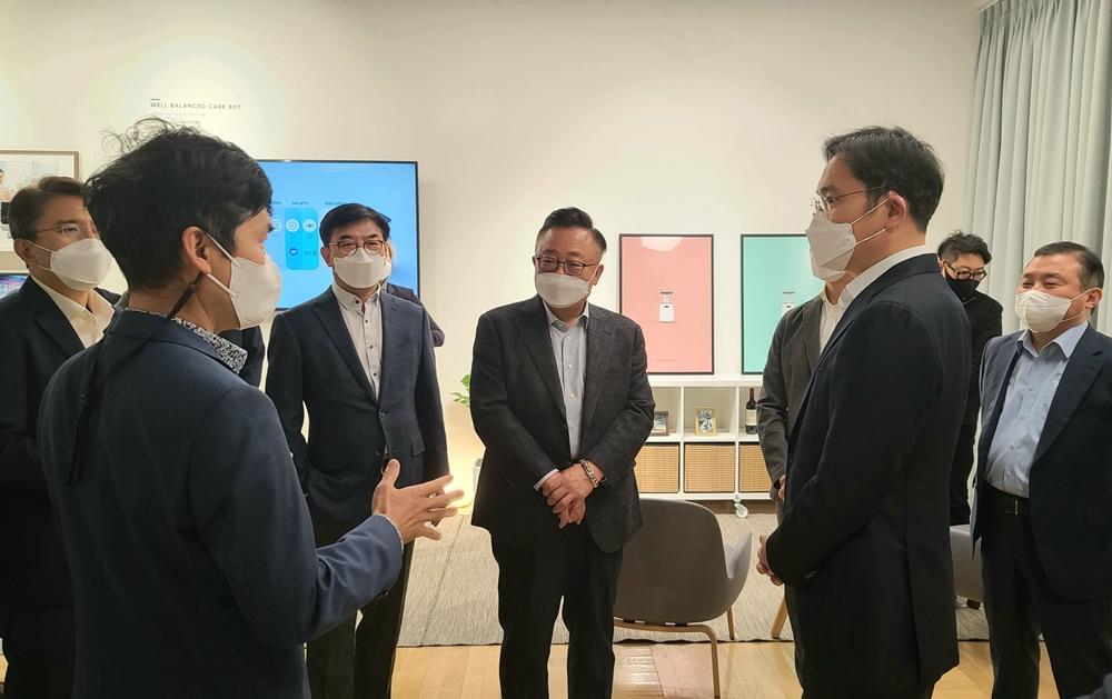Samsung Design Strategy Meeting Lee Jae-Yong DJ Koh